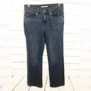 Levi's 6 Short Women's Classic Boot Jeans Denim